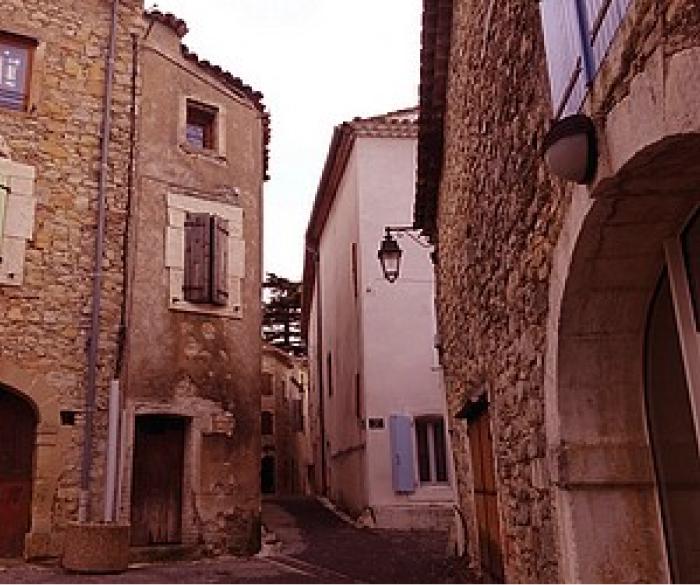 Vue d'intérieur du village Saint Bénézet